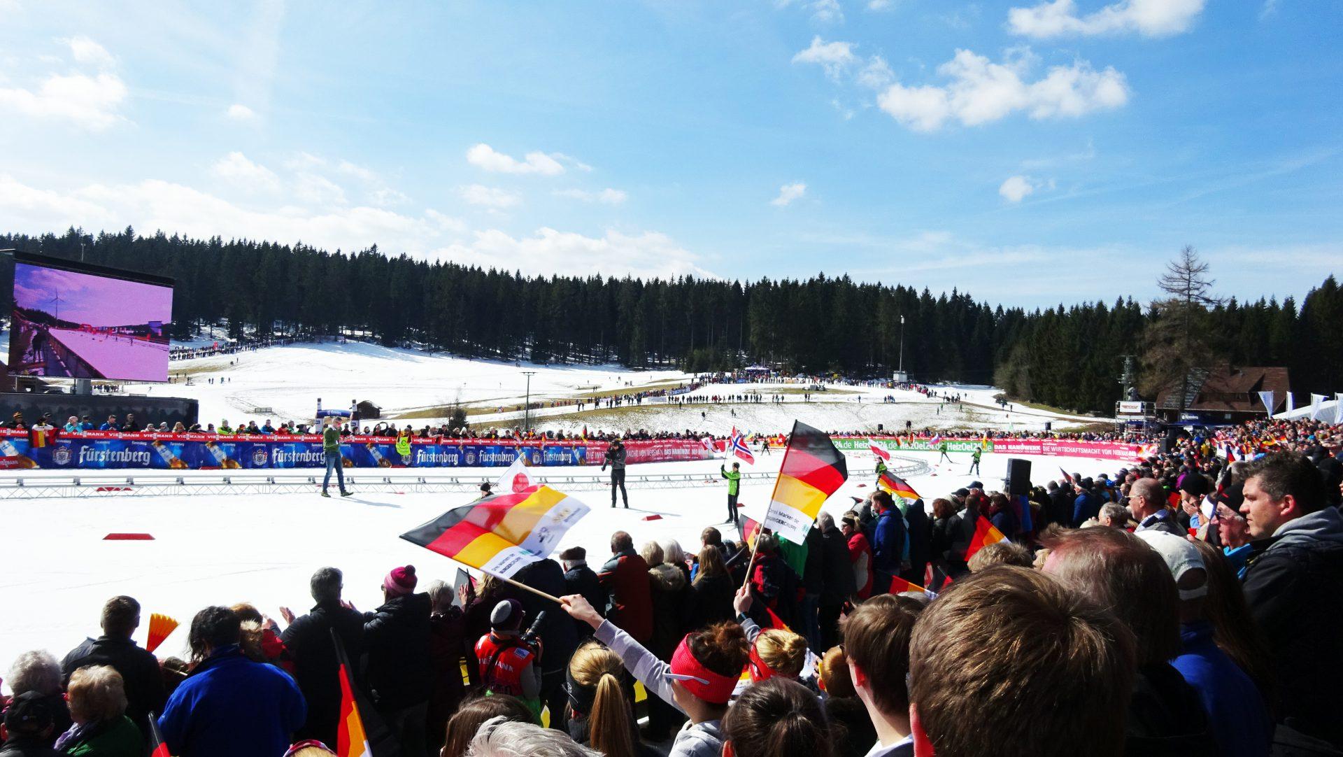 Stefan Lubowitzki ist Moderator beim Weltcup in Schonach
